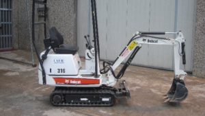 Bobcat 3 640x361 | Avery Rents earth moving equipment in Bellevue and Omaha